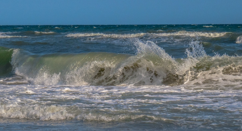 Inviting wave, Third St. Beach, Emerald Isle, NC